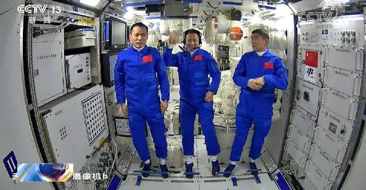 Shenzhou-12, Tiga Astronot Cina Memulai Misi ke Stasiun Luar Angkasa